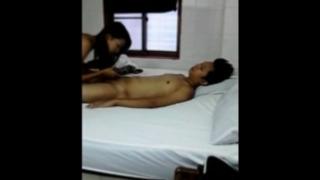 Sinulit Ang Iyotan Sa Hotel